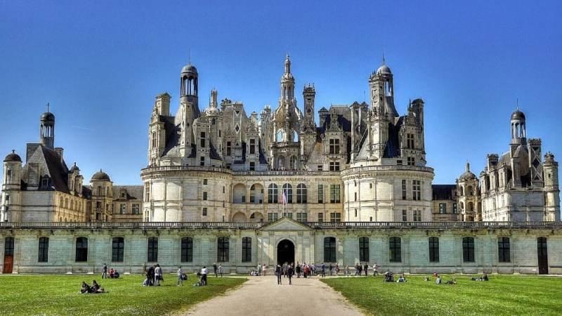 7 Kastil Terindah untuk Dikunjungi di Italia